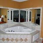 Paola Inn & Suites Jaccuzzi Suite